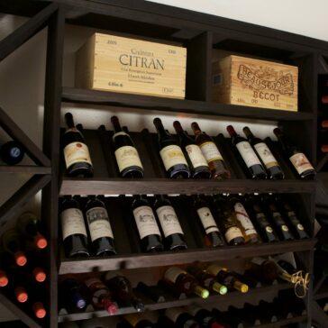 Inredning till vinkällare